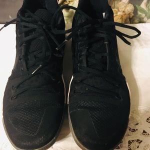Nike Kyrie Irving Black Ice Sneakers Size 10.5